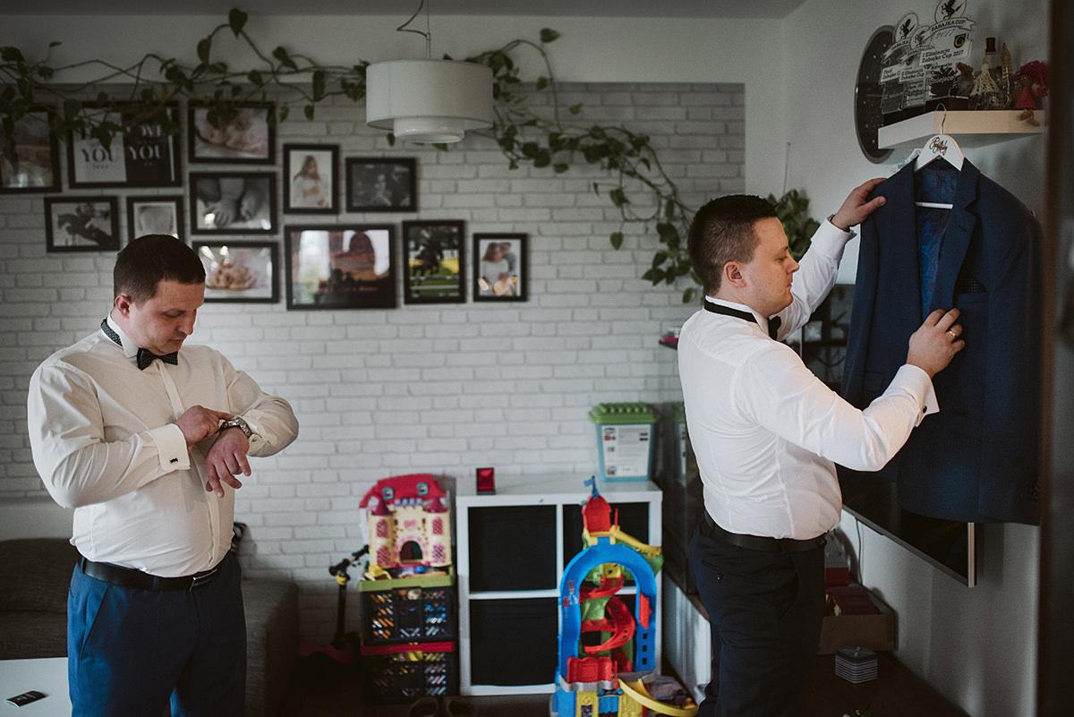 Reportaż ślubny Rzeszów Hibiskus Fotograf Rzeszów Przygotowania Pana młodego