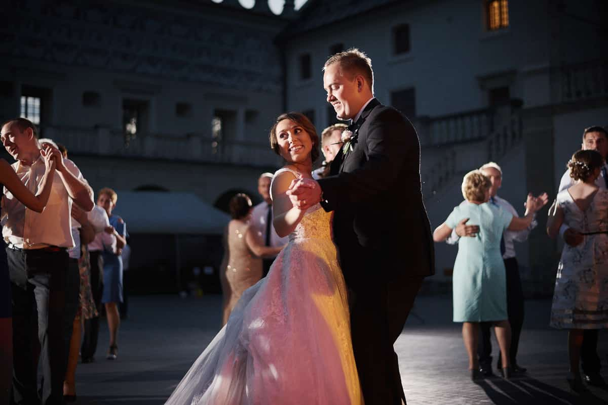wesele na dziedzincu w krasiczynie