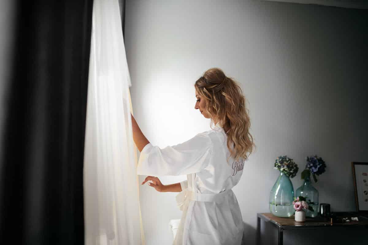 zakładanie sukni ślub kraków