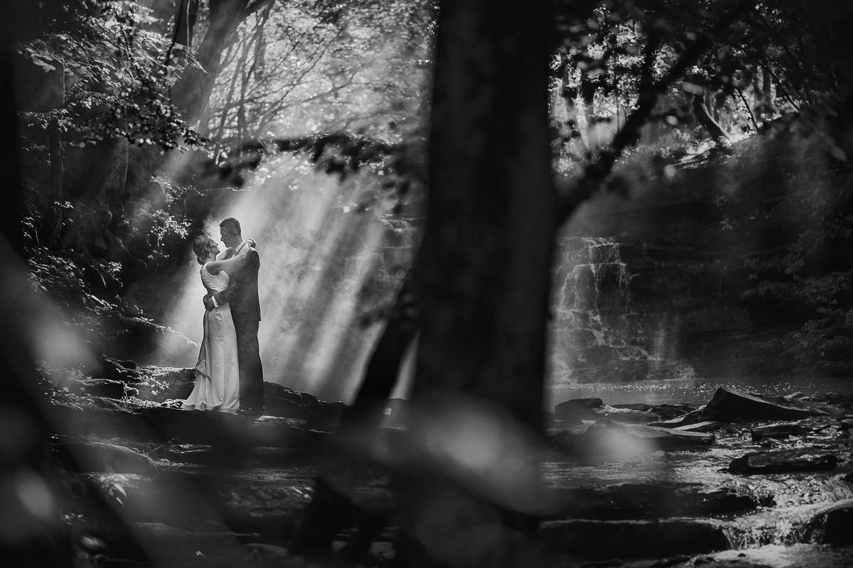 sesja nad mglistą rzeką