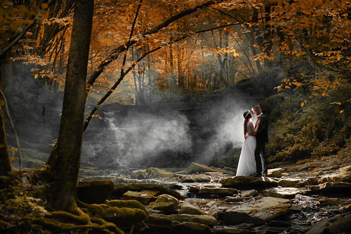 jesienna sesja nad wodospadem