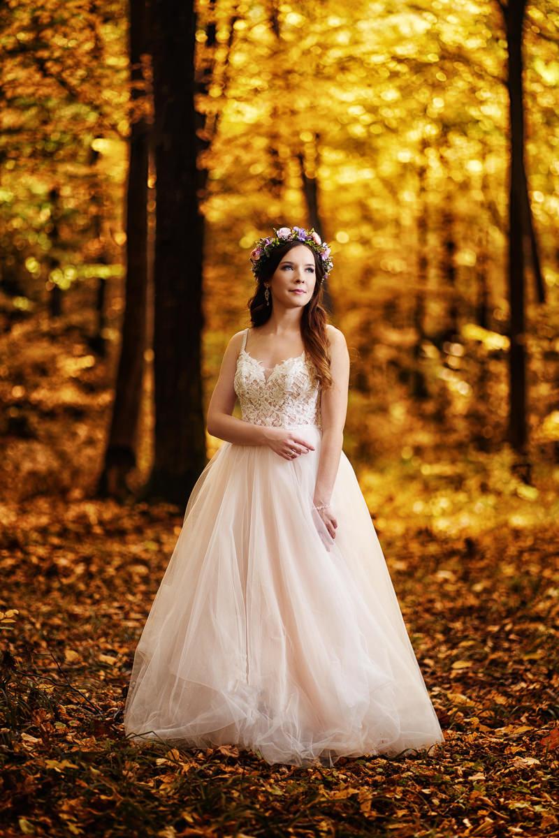 portret panny młodej jesienią
