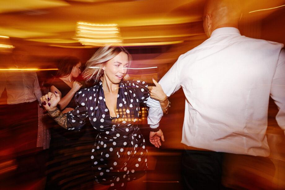 szampańska zabawa weselna w łańcucie